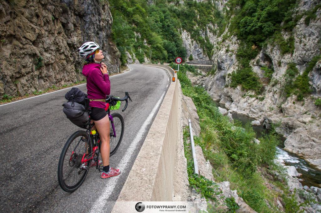 Pireneje na rowerach - bikepacking: jak się ubrać?