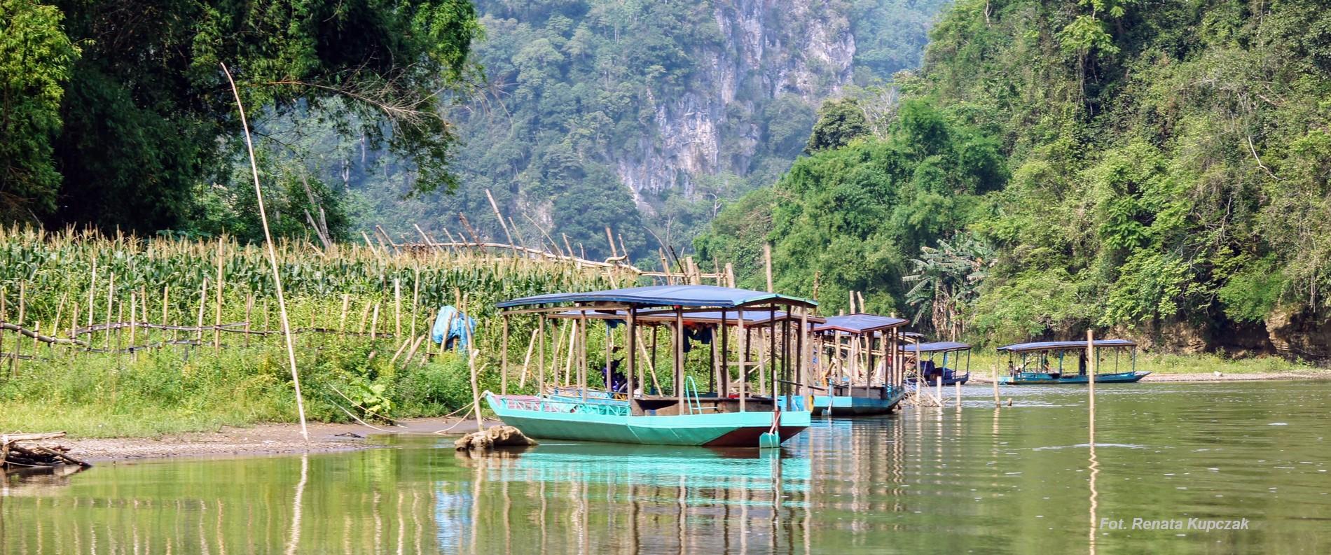Bambusową tratwą po Jeziorze Ba Be – Wietnam część IV